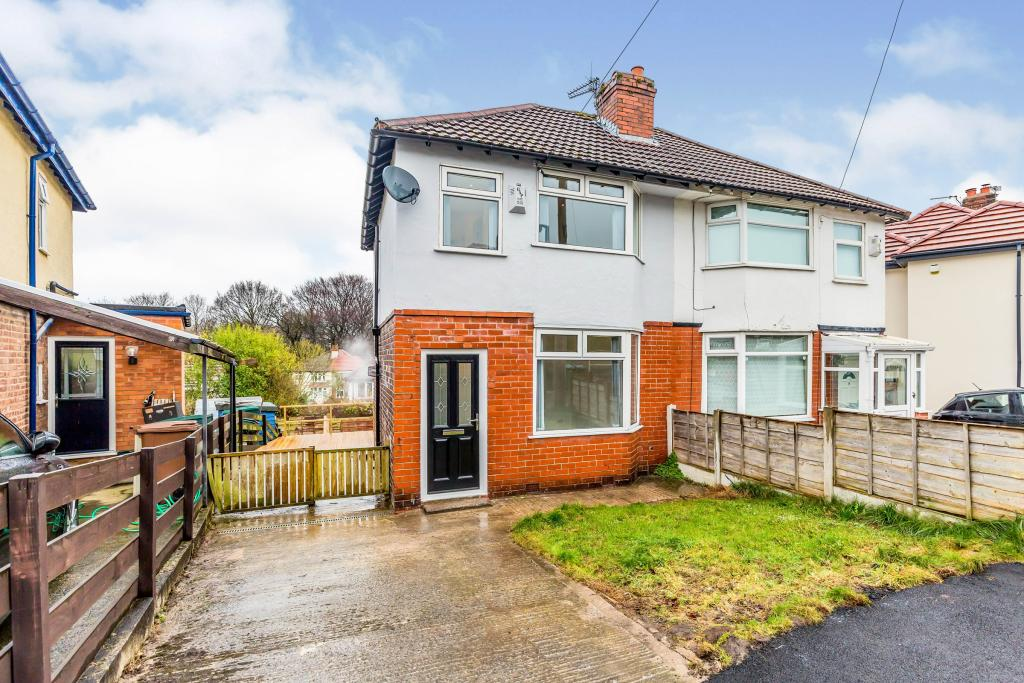 The Avenue - Freshly Renovated Investment Opportunity in Bredbury