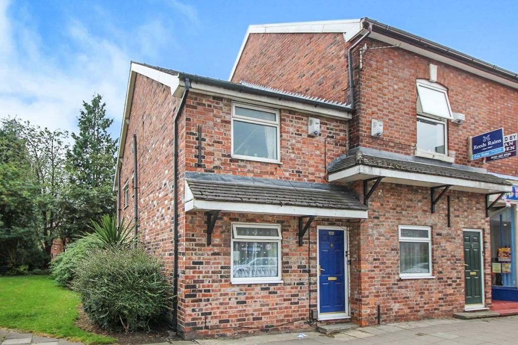 Stockport Road Flat - Gross 9% Yield in Marple Town Centre
