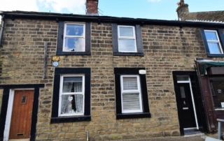 Market St 1 320x202 - Reduced Ready to Let Apartment in Mottram